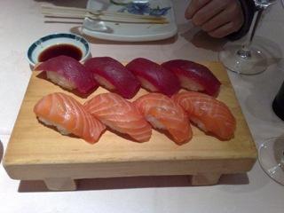 y cenamos sushi